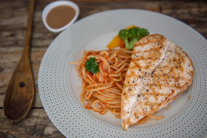 Grilled Chicken with Spaghetti Arrabiata